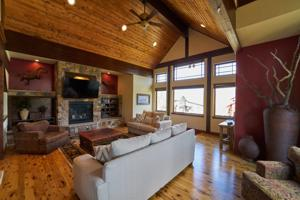 Mountain Home with Spectacular Views for Sale in Summit Cove, Colorado