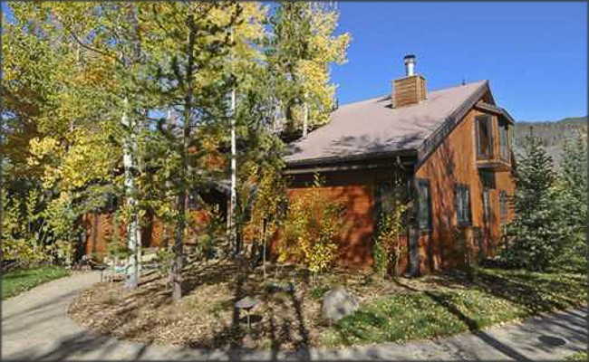 Spacious Home Overlooking Snake River for Sale in Keystone